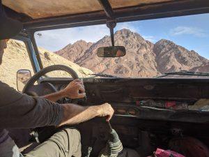 חוצה מדבר: טיול ג'יפים לקראת שקיעה בפסגות הרי אילת